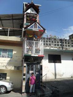 La casa más angosta del mundo Uruapan Michoacán.