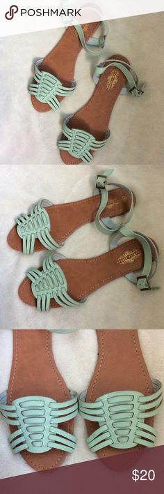 NWT mint huarache sandals Brand new Charles Albert Shoes Sandals
