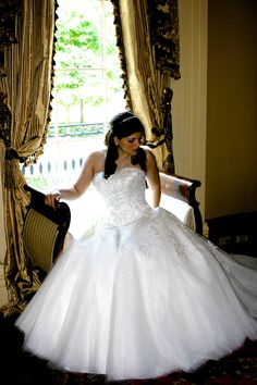 Ball gown style wedding dress, sweetheart neckline