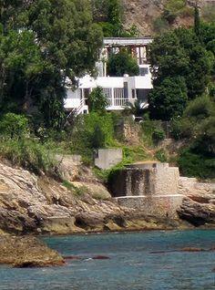 Seaside House E. 1027, Eileen Gray and Jean Badovici, 1929, Roquebrune-Cap Martin, France