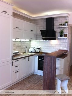 Мебель для кухни: Кухня Axis - Мебельная Фабрика Мария Uptown Kitchen, Condo Kitchen, Cottage Kitchens, Kitchen Interior, Kitchen Decor, Kitchen Cupboard Doors, Small Kitchen Appliances, Modern Kitchen Cabinets, Cottage Design