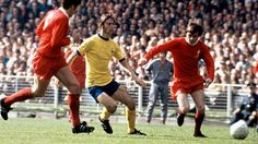 Arsenal 2 Liverpool 1 in May 1971 at Wembley. Charlie George threads the ball through in the FA Cup Final. Liverpool Football Club, Liverpool Fc, Charlie George, Bristol Rovers, Fa Cup Final, International Football, Arsenal, Finals, How To Memorize Things