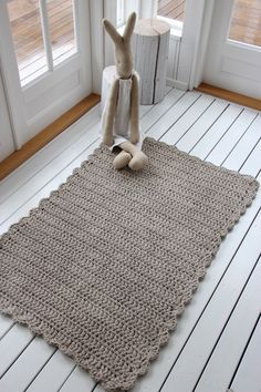 Tapete de crochê para cozinha: 100 ideias para usar a peça no ambiente Crochet Mat, Crochet Carpet, Crochet Home, Love Crochet, Diy Carpet, Rugs On Carpet, Carpets, Mandala Rug, Rope Rug
