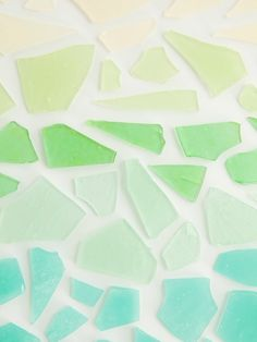 17 Ariel-approved ideas for a mermaid birthday party, like this DIY Sea Glass Candy Favors. Sea Glass Candy Recipe, Inexpensive Party Favors, Mason Jar Drinks, Mermaid Diy, Mermaid Style, 30th Birthday Parties, Birthday Ideas, 7th Birthday, Birthday Decorations