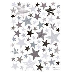 Des étoiles de toutes les tailles dans un dégradé de couleurs et de motifs pour décorer la chambre de votre enfant.  Création originale Sophie Cordier