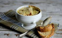 Soupe à l'oignons_ La cucina di calycanths - Cucina Corriere photo: Maurizio Maurizi