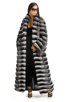 Wow, that is about all I can say. Russian model in a full length chinchilla fur coat. Wow... again.