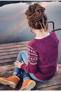 imagen a slightly different body shape....but its sorta me.....anchor tatt, dreads, ugly sweater with boots and skinnies... :D