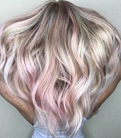 Soft & lucious pastel pink hair achieved by using BUNNY 💕🌸🎀🍥💞 by Silver Purple Hair, Rose Gold Hair Blonde, Pastel Pink Hair, Hair Color Purple, Green Hair, Hair Colors, Pink Hair Highlights, Hair Color Balayage, Lime Crime
