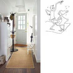 Alfombra beige de IKEA en un pasillo en blanco. Dibujo de dos personas bailando sobre una alfombra.