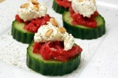 Komkommer met geitenkaas