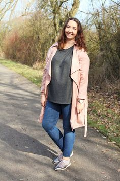Beautiful Style: Outfit Post - Rosa Trenchcoat