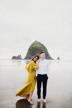 Eden Strader Photography, Cannon Beach Oregon Couples Session, Beach Couples Session, Oregon Photography, engagement pose ideas, yellow indie dress, yellow engagements, Oregon wedding photographer, oregon engagement ideas