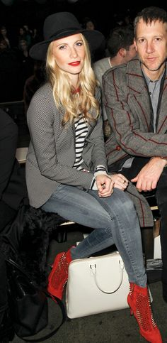 LE FASHION BLOG FRONT ROW RAG BONE FW FALL WINTER 2013 STYLE POPPY DELEVINGNE HAT PRINT JACKET BLAZER STRIPE STRIPED SHIRT SKINNY BLUE JEANS DENIM STUDDED RED SUEDED ANKLE BOOTS WHITE BAG RED LIPS LIPSTICK NEW YORK CITY FASHION WEEK