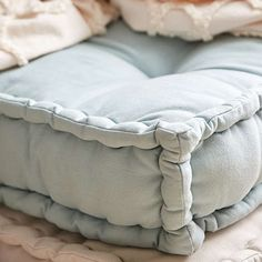 HOME-DZINE | Make French Tufted Mattress - Close up detail