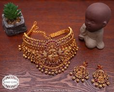 Temple Choker Set From Kimi Girl ~ South India Jewels Gold Chocker Necklace, Gold Choker, Chokers, Choker Necklaces, Earrings, Gold Temple Jewellery, Moon Jewelry, Diamond Jewellery, Bridal Jewellery Inspiration