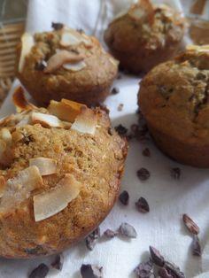 Vegan Banana, coconut and cacao nibs muffins // Muffins végétaliens a la banane, noix de coco, et éclats de feves de cacao
