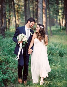 Happy Monday, friends! We're starting the week off with the sweetest-ever Montana wedding, captured byJeremiah and Rachel Photography+ styled by Cara ofGoldfinch Events & Design.Amanda + Eli met when they were just 16 (too cute!) and have been together virtually every day since. Their vision for their mini destination wedding was anintimate Montana-style dinner, meets […]
