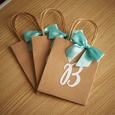 Gifts Wrapping & Package : Party Favor Bags - Set of 3 - Gift Bags for Bridesmaids - Small Kraft Paper Bags with Handle Confetti Momma Wedding Doorgift, Homemade Gift Bags, Paper Gifts, Paper Bags, Craft Booth Displays, Craft Packaging, Browns Gifts, Gift Labels, Party Favor Bags