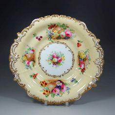 美しくかつ貴重なコープランド・ギャレットの手描きアンティーク・コンポートのご紹介でございます。バックマークから1833年から47年までの作品とわかります。専属アーティストによってすべて手描きで描かれており、芸術作品としても鑑賞できる仕上がりとなっております。 以下のページでぜひ他の写真もご覧くださいませ。 ⇩ http://eikokuantiques.com/?pid=95154588 #アンティーク #イギリス #英国 #アンティークカップ #英国アンティークス #トリオ #コープランドギャレット