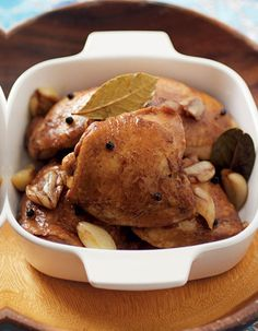 Chicken Adobo for the festive season. It's a wonderful dish to share with friends and family! #chicken #filipino
