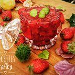 """29 mentions J'aime, 2 commentaires - my passion (@baaziz_rafika) sur Instagram: """"Confiture de fraises🍓🍓🍓 #confiture #fraises #lovecooking #lovefood #lovelife #cooking #mypassion…"""""""