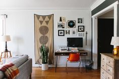 10 Perfect Living Room Home Office Nooks: Short on Space but Not Style | Apartment Therapy