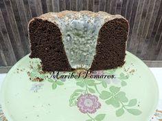 COCINANDO CON MARIBEL: Bundt cake de chocolate con cobertura de chocolate blanco.