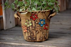 ;) should be easy to do. Blog not on English Hand Built Pottery, Slab Pottery, Pottery Bowls, Ceramic Pottery, Ceramic Flowers, Clay Flowers, Ceramic Planters, Flower Pots, Ceramics Projects