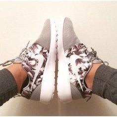 Nike Roshe Run Gray Floral White Shoes
