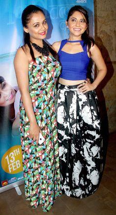 Prarthana Behere and Sonalee Kulkarni at the trailer launch of film 'Mitwaa'. Bollywood Saree, Bollywood Fashion, Sonalee Kulkarni, Nice Dresses, Formal Dresses, Actress Pics, Beautiful Bollywood Actress, Bollywood Celebrities, Most Beautiful Women
