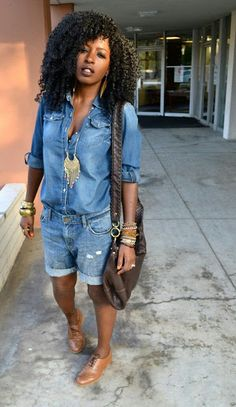 Cute outfit idea to copy ♥ For more inspiration join our group Amazing Things ♥ You might also like these related products: - Ripped Jeans ->. Short Outfits, Spring Outfits, Casual Outfits, Fashionable Outfits, Denim Fashion, Look Fashion, Fashion Outfits, Fashion Clothes, Street Fashion