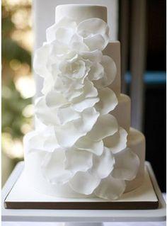 Beautiful white wedding cake with fabulous flowers featured in Unusual Beach Wedding Cake Ideas! Wedding Wishes, Wedding Bells, Wedding Events, Our Wedding, Dream Wedding, Cake Wedding, Wedding Reception, Wedding Stuff, Unusual Wedding Cakes