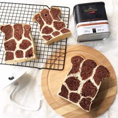 When my blogger friend  Fion  and May  told me about this popular Giraffe bread in FB, i was so excited and tried it out immediately ^_^....