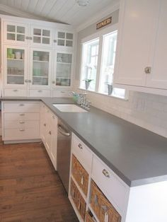 Supreme Kitchen Remodeling Choosing Your New Kitchen Countertops Ideas. Mind Blowing Kitchen Remodeling Choosing Your New Kitchen Countertops Ideas. Gray Kitchen Countertops, Kitchen Cabinets, Kitchen Remodel, Kitchen Decor, Modern Kitchen, Glass Cabinet, New Kitchen, Home Kitchens, Kitchen Design