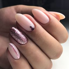 Both long nails and short nails can be fashionable and beautiful by artists. Short coffin nail art designs are something you must choose to try. They are one of the most popular nail art designs. Today, in this article, we have collected 40 stylish Pink Gel Nails, Glitter Gel Nails, Pink Glitter, Acrylic Nails, Jewel Nails, Glitter Balloons, Glitter Art, Marble Nails, Gold Nails