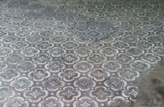 15 Stenciled Concrete Floors To Amaze You: Vintage Style