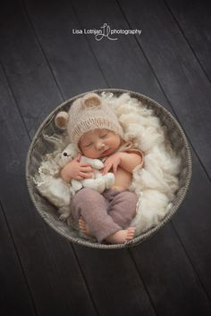 Providing professional newborn photography serving Kitchener, Waterloo, Cambridge, Guelph and Area. Foto Newborn, Newborn Baby Photos, Newborn Shoot, Baby Boy Newborn, Newborn Pictures, Baby Poses, Baby Boy Photos, Newborn Care, Cute Babies Photography