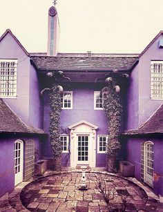 Image uploaded by niven. Find images and videos about purple, home and house on We Heart It - the app to get lost in what you love. Purple Rain, Deep Purple, Pink Purple, Magenta, Purple Home, Exterior, All Things Purple, Purple Stuff, Purple Aesthetic