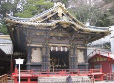 One of the amazing temples in Nikko http://www.cheapojapan.com/nikko/  #japan #photo #temple #shrine