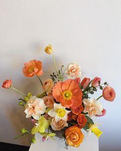 Flowers Nature, Beautiful Flowers, Beautiful Bouquets, Colorful Flowers, Flower Aesthetic, Flower Farm, Floral Arrangements, Flower Arrangement, Paper Flowers