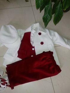 Hainute botez- COSTUME BAIETI,costume nou nascuti Tree Skirts, Costume, Holiday Decor, Clothes, Gowns, Outfits, Clothing, Kleding, Costumes
