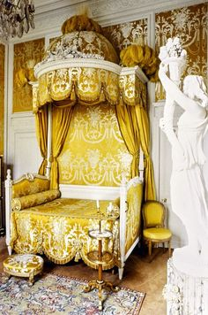 LOUIS XVI BED WITH BALDAQUIN dit Lit à la Polonaise,  attributed to Jean-Baptiste-Claude Séné. From the collection of Karl Lagerfeld.   Source: http://www.vogue.com/slideshow/13294346/celebrity-homes-karl-lagerfeld-from-archives/#2
