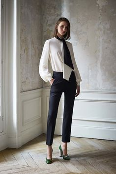 Catwalk photos and all the looks from Lanvin - Pre Spring/Summer 2017…