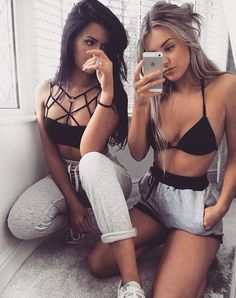 Cute outfit. Comfy outfit. Highwaisted shorts. Bralette a. Teen fashion. Tumblr fashion