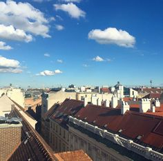 And so a rainy day ends with a much-needed blue sky and sunshine 🙌🏼 ☀️ #vienna #roofterrace #wien #bluesky