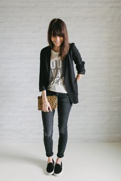 graphic tee + black blazer + black skinnies + slip on sneakers Black Blazer Outfit Casual, Black Slip On Sneakers Outfit, Long Black Blazer, Sneakers To Work, Black Denim, Black Vans, Adidas Slip On Outfit, Black Blazers, Jeans And Sneakers
