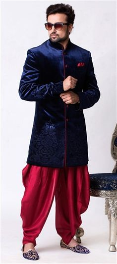 Indo Western Menswear, Indo Western Suits, Sherwani for Men Engagement Dress For Groom, Groom Wedding Dress, Wedding Men, Sikh Wedding, Groom Dress, Sherwani Groom, Mens Sherwani, Wedding Sherwani, Blue Sherwani