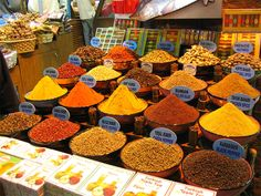 Istanbul Spice Market experience the aroma of spices like never before. The Spice Bazaar popularly known as the Misir Carsisi is amongst the oldest bazaars. Istanbul Market, Istanbul Travel, Turkish Spices, Fresh Food Market, Dressing, Spices And Herbs, Seasoning Mixes, Drying Herbs, Turkey