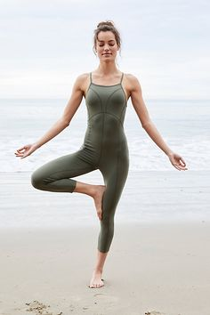 workout clothes for women yoga leggings fitness clothing women's running pants for cold weather yoga pants with pockets walmart Yoga Wear, Gym Wear, Sport Fitness, Fitness Models, Yoga Fitness, Male Fitness, Fitness Wear, Fitness Diet, Finger Yoga
